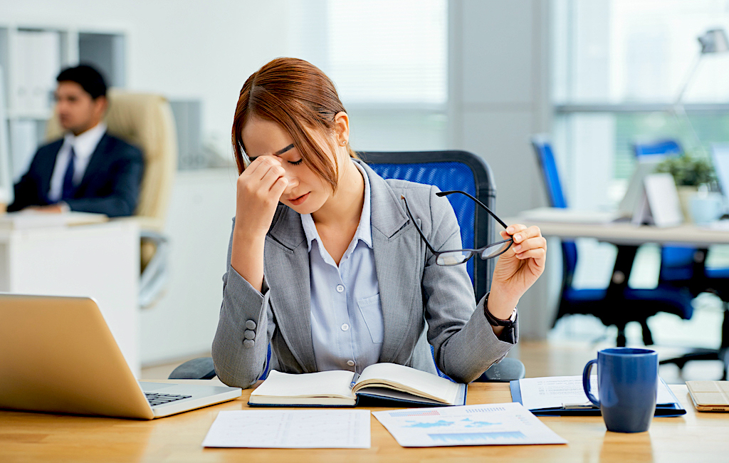 How to Handle Stress and Balance Life for Working Women